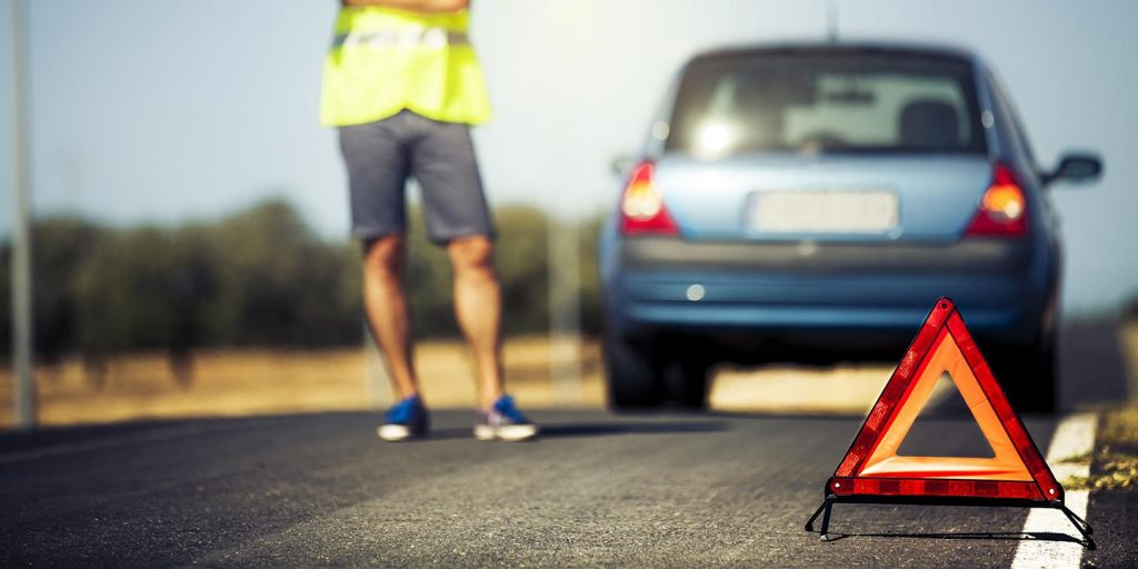 The benefits of calling roadside assistance service